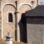 église Ste Croix - arcature de l'abside