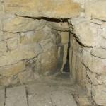église Ste Croix - tour ronde, archère vue de intérieur